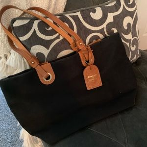 Dooney and Bourke Black Tote/Purse